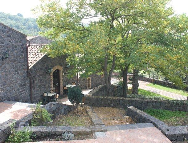 le cisterne-adrano-etna-zijkant.jpg