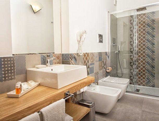 villa seta agrigento badkamer nieuw.jpg