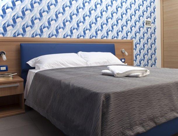 villa seta agrigento kamer blauw.jpg