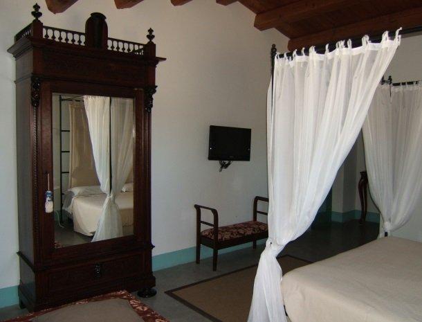 casa mirabile menfi slaapkamer superior.jpg