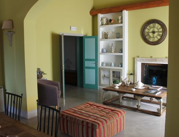 casa mirabile menfi lobby.jpg