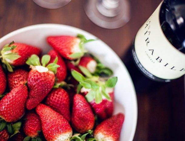 casa mirabile menfi aardbeien wijn.jpg