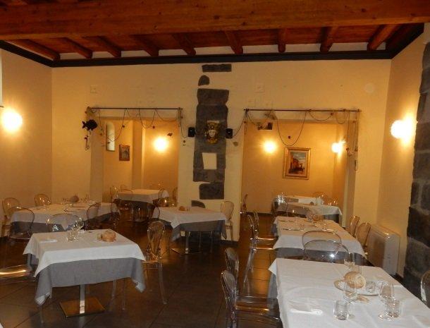 palazzo-rosso-riposto-restaurant.jpg
