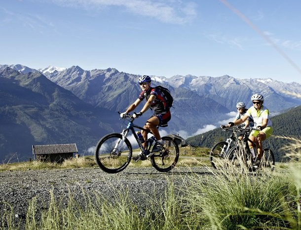 hotel-kirchner-bramberg-am-wildkogel-mountainbiken.jpg
