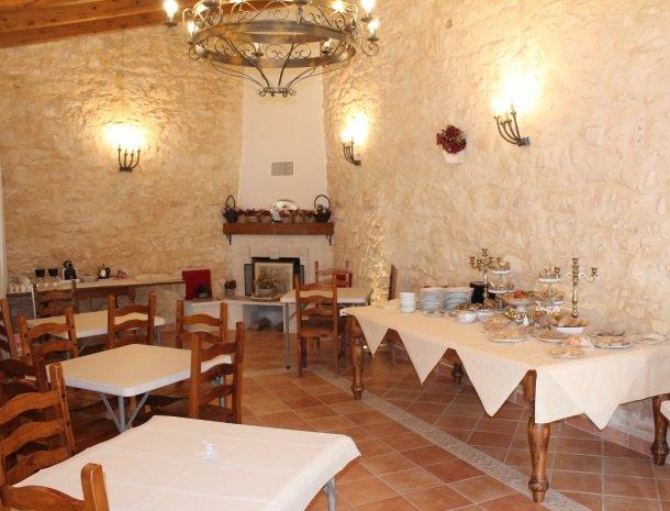 casale1821-ragusa-ontbijtbuffet.jpg