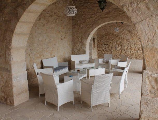 casale1821-ragusa-lounge-overdag.jpg