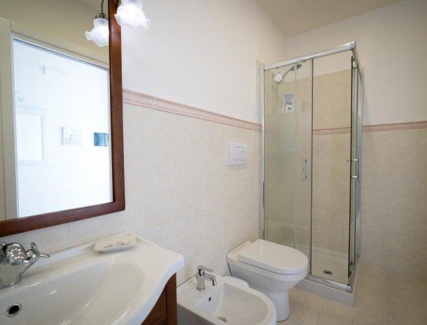 casale1821-ragusa-slaapkamer-badkamer.jpg
