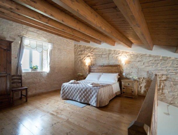 casale1821-ragusa-slaapkamer-4personen-boven.jpg
