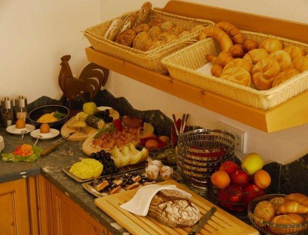 alpenhof-mittersill-ontbijt.jpg
