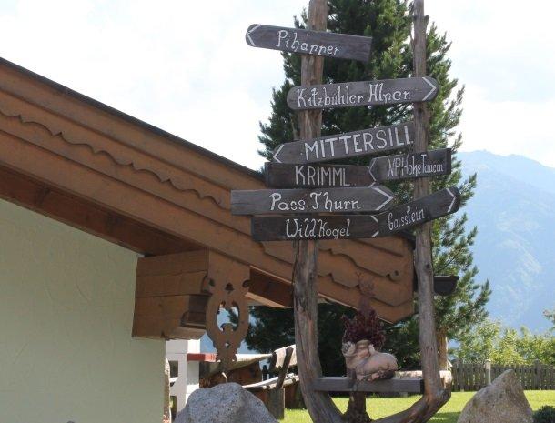 alpenhof-mittersill-wegwijzers.jpg