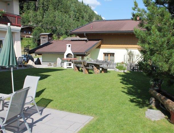 alpenhof-mittersill-tuin-barbecue.jpg