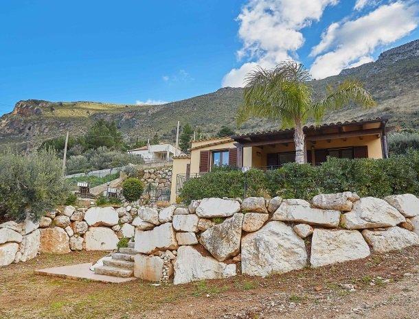 villa olimpia sicilie huis overzicht.jpg