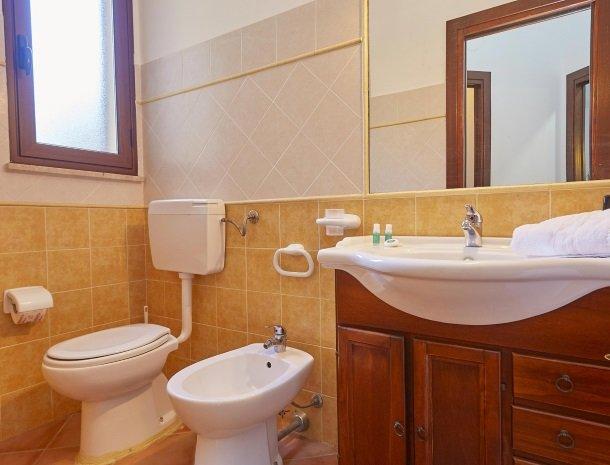 villa olimpia sicilie badkamer extra.jpg