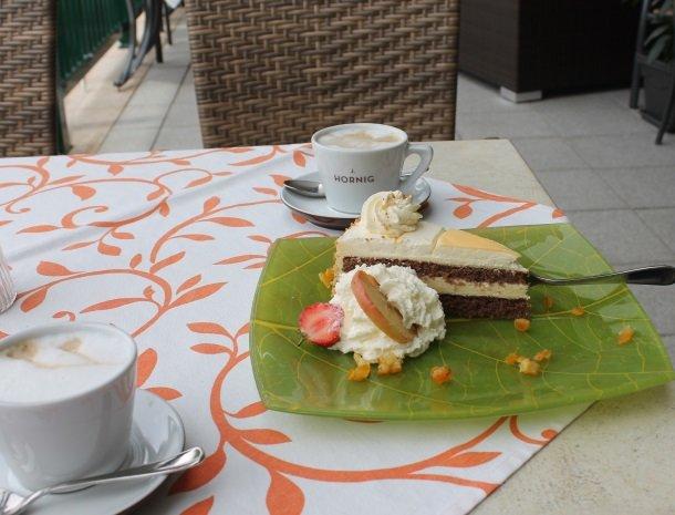 baerenwirt-aich-steiermark-taart.jpg