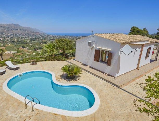villa-celeste-scopello-huis-met-zwembad.jpg