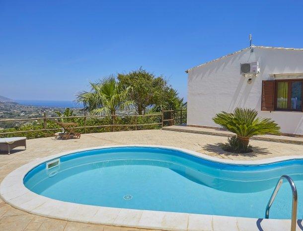villa-celeste-scopello-zwemmen.jpg