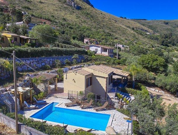 villa-olimpia-scopell-overzicht-huis-zwembad.jpg