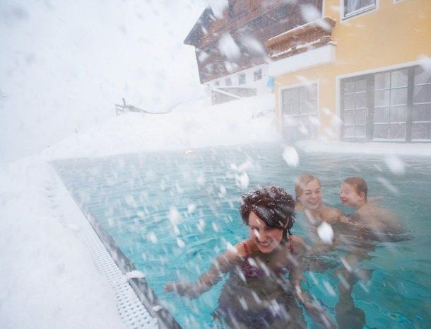 hotel-eggerhof-saalbach-winter-zwemmen.jpg