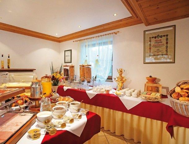 hotel-eggerhof-saalbach-ontbijtbuffet.jpg