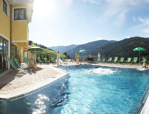 hotel-eggerhof-saalbach-zwembad.jpg