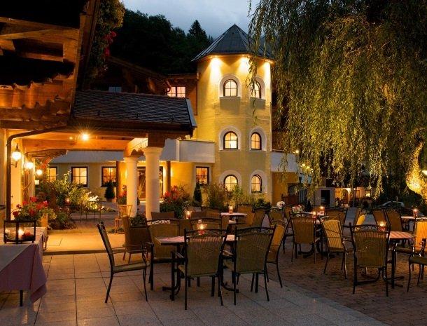 hotel-eggerhof-saalbach-avond-restaurant.jpg