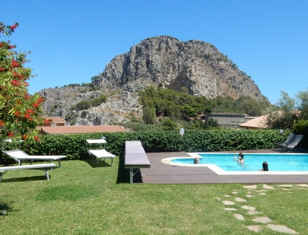 villa-di-giorgi-cefalu-zwembad-kinderen.jpg
