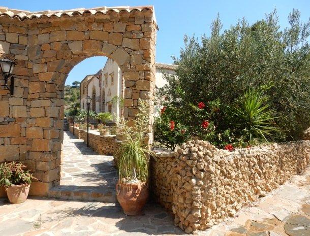 casale-del-golfo-castellammare-ingang-restaurant.jpg