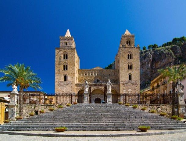 cefalu-kathedraal-sicilie.jpg