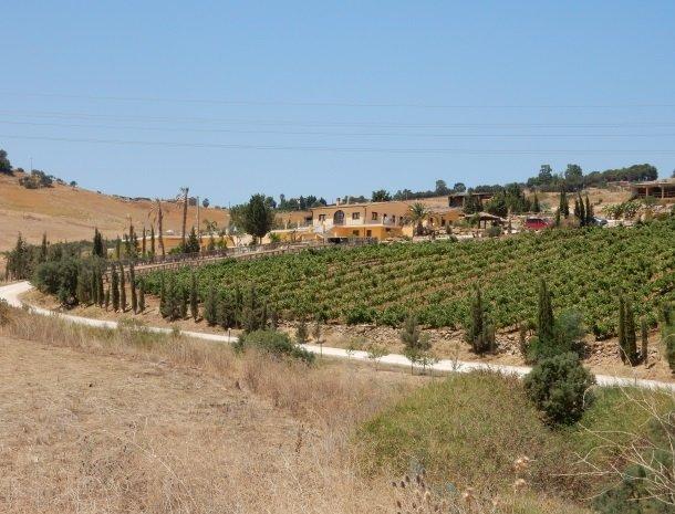 agriturismo-arcudaci-west-sicilie-platteland.jpg