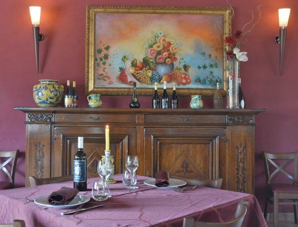 agriturismo-arcudaci-sicilie-restaurant-sfeer.jpg