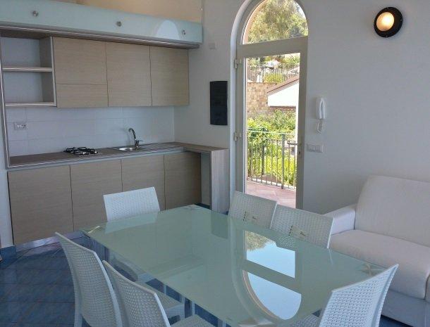 residence-magara-cefalu-sicilie-appartement-keuken.jpg