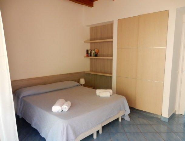 residence-magara-cefalu-sicilie-appartement-slaapkamer.jpg