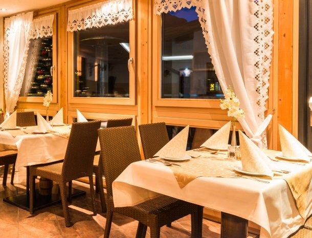adler hotel-pension-fulpmes-stubaital-restaurant.jpg