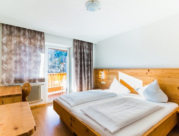 adler hotel-pension-fulpmes-stubaital-2-persoonskamer.jpg