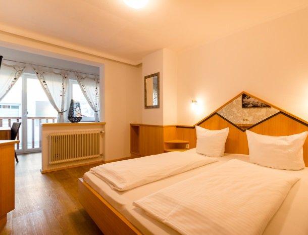 adler hotel-pension-fulpmes-stubaital-kamer-balkon.jpg