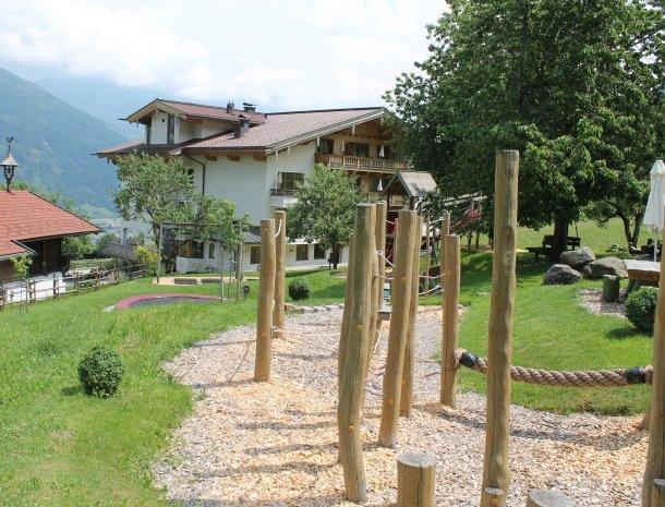 asterhof-fugen-tirol-speeltuin-klimmen.jpg