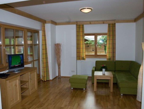 tierwarthof-fieberbrunn-appartement-woonkamer.jpg