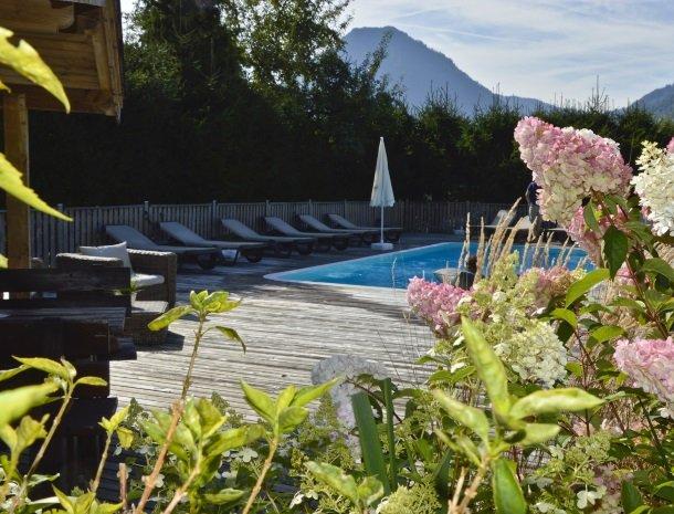 tierwarthof-fieberbrunn-bloemen-zwembad.jpg
