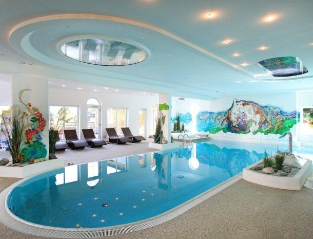 alpenpension-claudia-ellmau-tirol-binnenzwembad.jpg