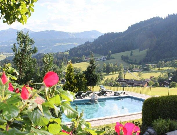 landhaus-ager-söll-tirol-zwembad-overzicht.jpg