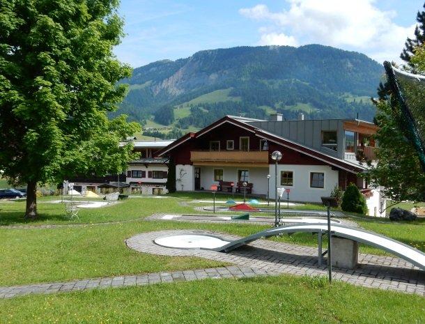 hotel-grosslehen-fieberbrunn-minigolf.jpg
