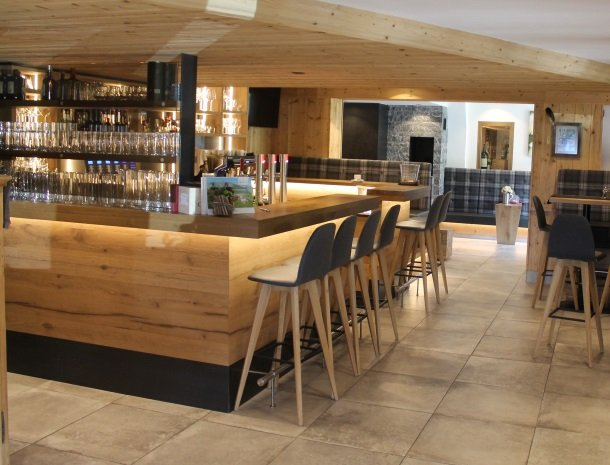 hotel-grosslehen-fieberbrunn-bar.jpg