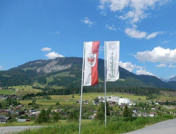 hotel-grosslehen-fieberbrunn-vlaggen.jpg