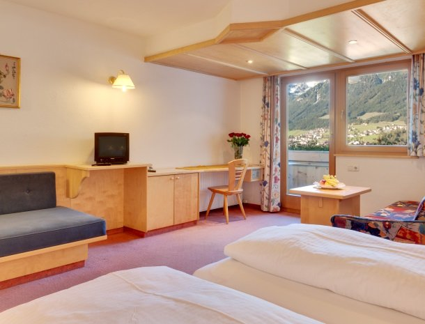hotel-bergkranz-mieders-tirol-kamer-buro.jpg