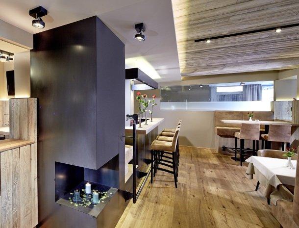 hotel-bergkranz-mieders-tirol-bar.jpg