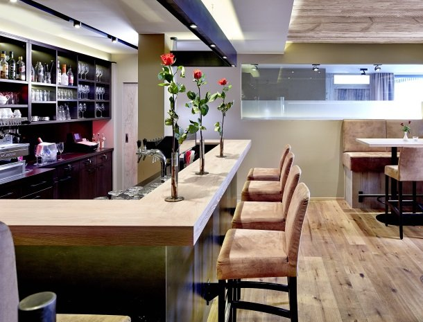 hotel-bergkranz-mieders-tirol-bar-kruk.jpg