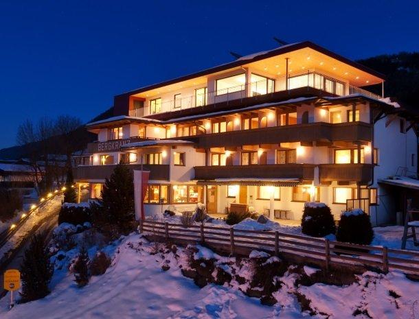 hotel-bergkranz-mieders-tirol-avond-winter.jpg