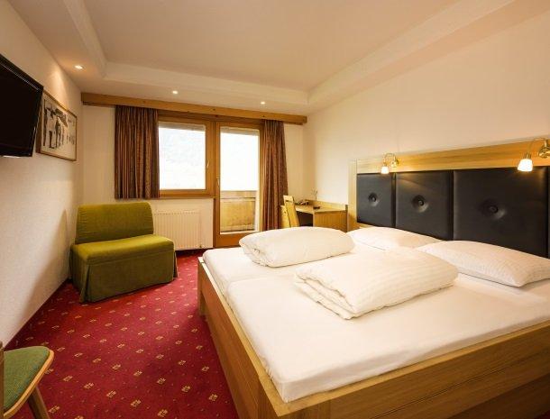 hotel-bergkranz-mieders-tirol-slaapkamer.jpg