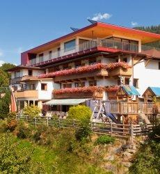 hotel-bergkranz-mieders-tirol-zomer.jpg