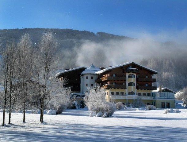 hotel-zum-jungen-romer-radstadt-winterlandschap.jpg